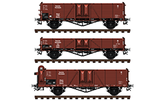 Vector image in high resolution of German freight open-top wagons from Deutsche Reichsbahn - offener güterwagen type Ommru, low-sided gondola wagon Ommr and high-sided wagon Ommru type with brakeman cabin. They are used for the carriage of goods that are relatively resistant to weather conditions. Illustration with isolated objects over white background.